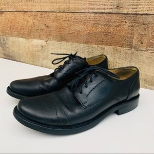 Frye Oxford in Black